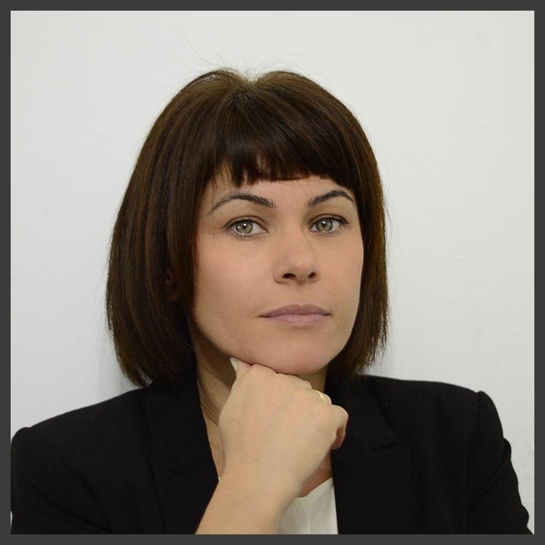 Εσιρπέογλου Άννα - Social Media Management Expert - Content Creator